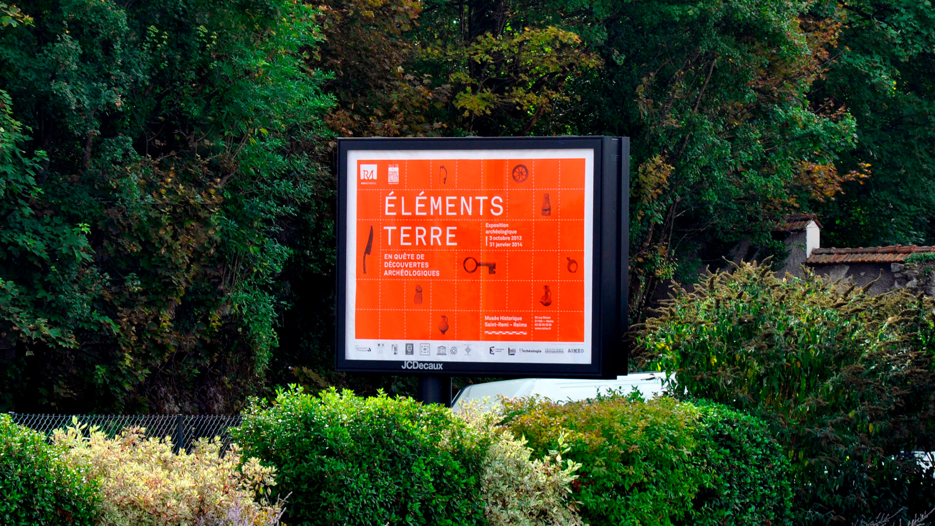 elements-terre-archeologie-exposition-reims-plastac-affiche